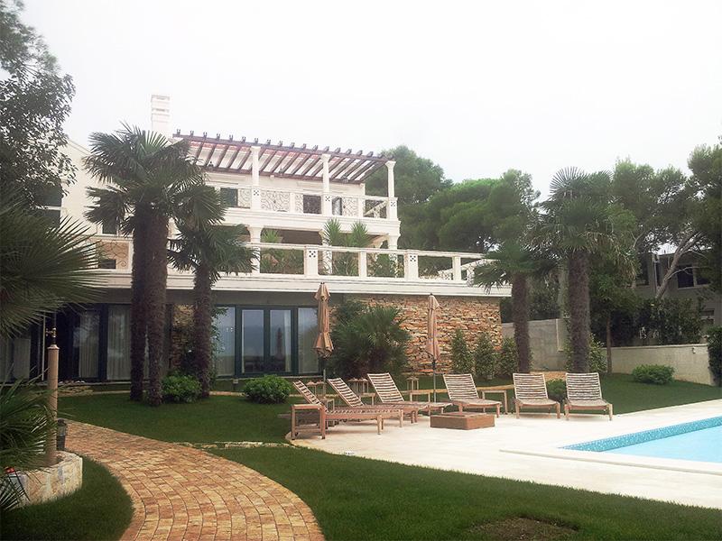 ok-stipe-villa-terrace-1